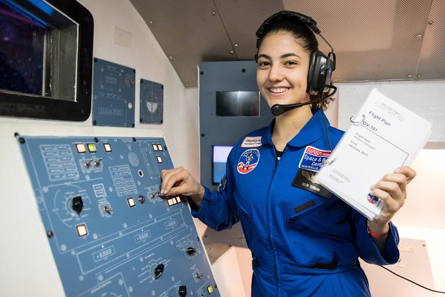 Amerika'daki uzay kampına katılan tek Türk liseli Selin'in hedefi NASA
