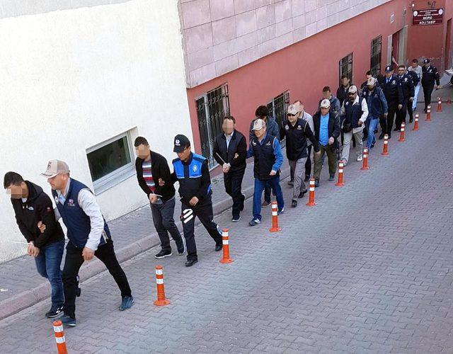 FETÖ şüphelisi 12 muvazzaf asker adliyeye gönderildi