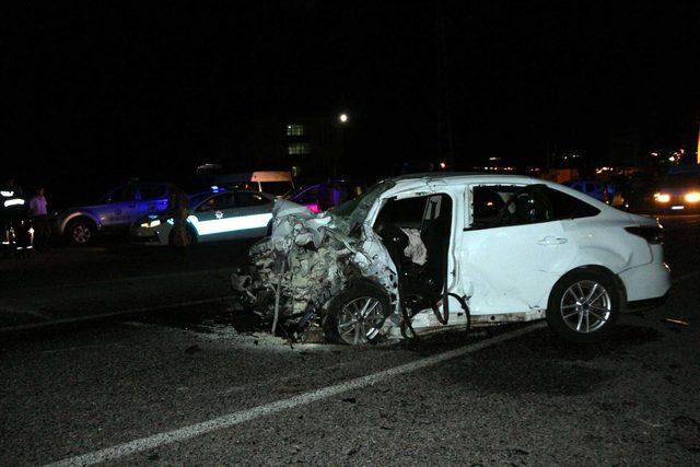 Batman'da iki otomobil çarpıştı: 6 ölü, 5 yaralı