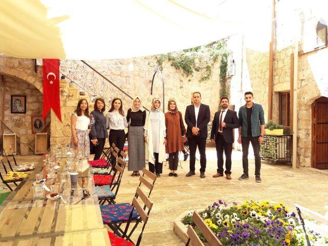 Kırsal mahallede eğitim veren öğretmenler Mardin'i gezdi