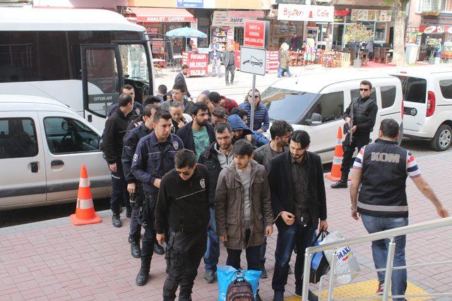 Kocaeli'de FETÖ şüphelisi 15 kişi adliyede