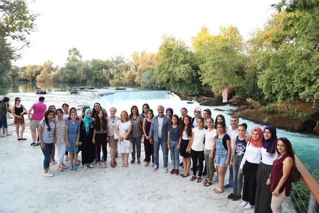 "Manavgat'ta ""Haydi Kızlar Kampa"" projesi"