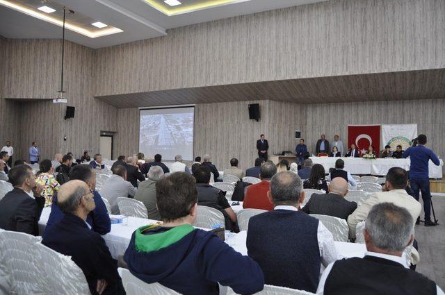 Konya Yolu Alt Geçit Projesi için Gölbaşı esnafıyla bir araya gelindi