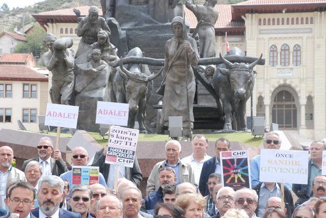 Kastamonu'da CHP'lilerden oturma eylemi