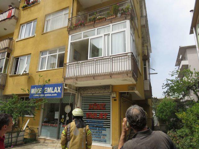 Maltepe'de yangın: Mahsur kalanları itfaiye kurtardı