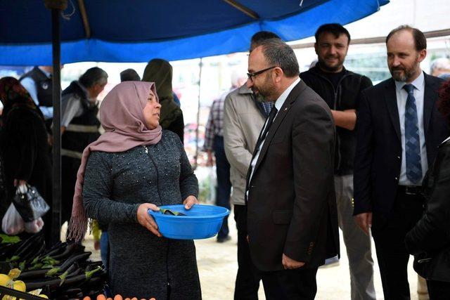 Başkan Üzülmez'den pazar incelemesi
