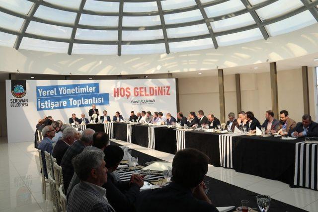 Yerel Yönetimler Serdivan'da bir araya geldi