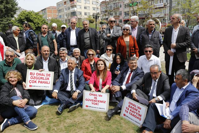 CHP'lilerden OHAL'e karşı oturma eylemi