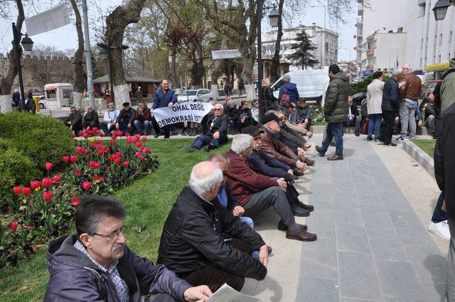 Sinop'ta CHP'liler oturma eylemi yaptı