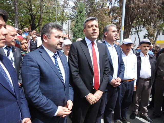 CHP'lilerden Çorum'da oturma eylemi