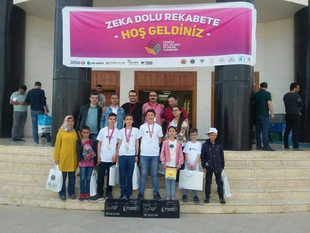 Zeka oyunlarında Mahmudiye Ortaokulunun büyük başarısı