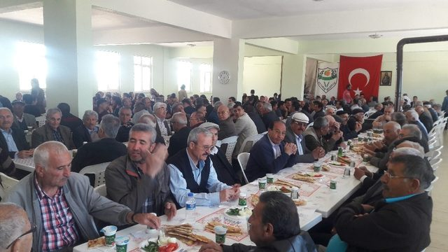 Yazıhan'da vatandaşlara Abdal Musa Lokması dağıtıldı
