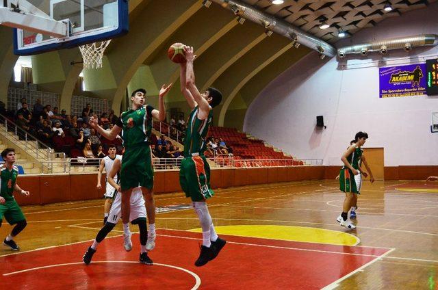 Aydın'da yarı final maçları tamamlandı