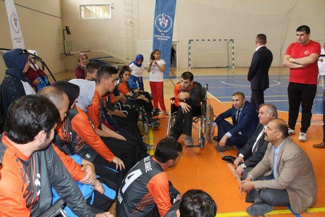 Milletvekili Şeker, amatör spor kulüplerinin temsilcileri ile bir araya geldi