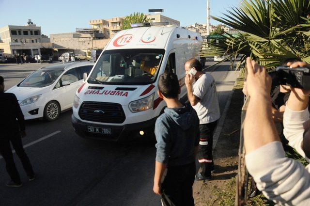 Karşıdan karşıya geçmeye çalışan kişiye otomobil çarptı