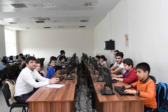 BİLSEM öğrencilerine Scratch eğitimi verildi