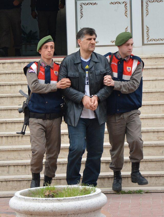 Eski savcı Yunanistan'a kaçarken yakalandı.
