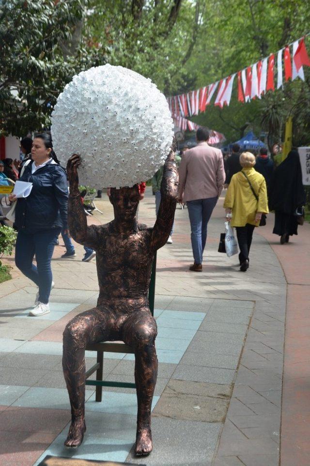 İzmit'te sanat sokaklara doldu