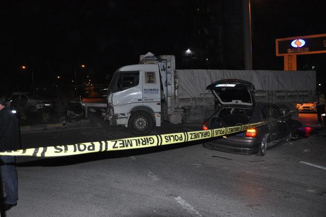 Bartın'da kavşakta 3 araç çarpıştı: 2 ölü, 4 yaralı