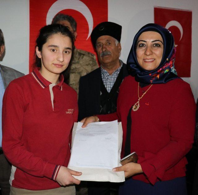 Vanlı öğrencilerden Afrin'deki Mehmetçiğe mektup