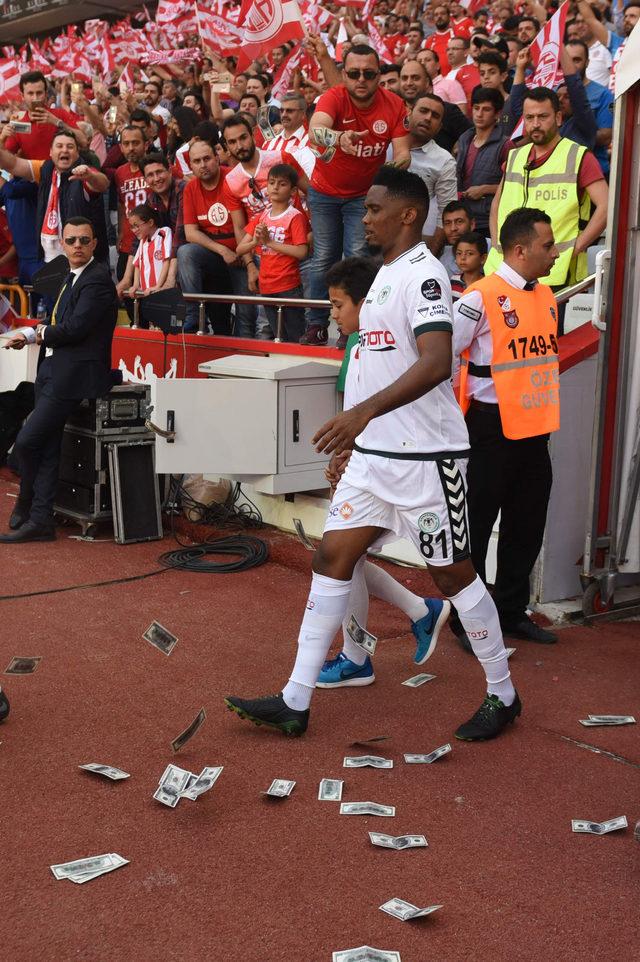Eto'o'nun Antalyaspor taraftarına cinsel organını gösterdiği iddiası