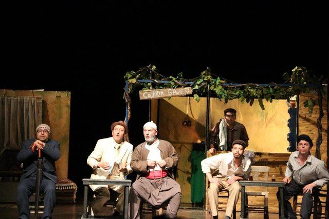 Efeler Belediye Tiyatrosu, Uluslararası Tiyatro Festivali'ne katıldı