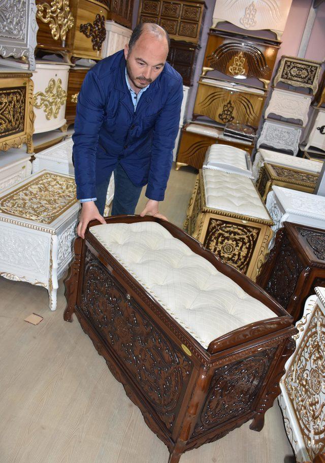 Anadolu'da çeyiz sandığı geleneği sürüyor