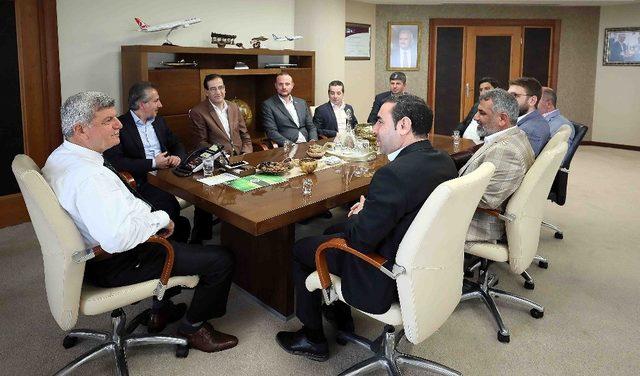 """Başkan Karaosmanoğlu, """"Kocaelimiz zengin birikimi ile bilge bir şehirdir"""""""