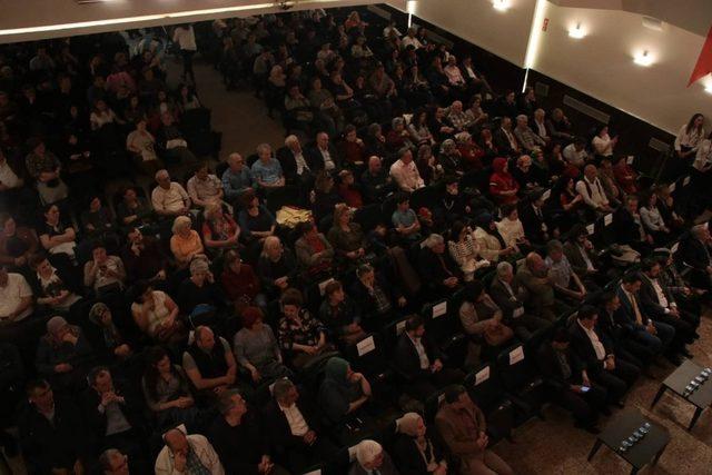 Anadolu'dan Mehmetçiğe Şiir ve Türküler konserine yoğun ilgi
