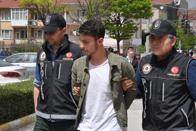 Eskişehir'de 75 bin liralık uyuşturucu ele geçirildi (2)