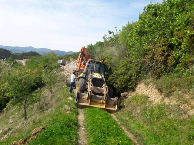 Niksar belediyesinin yol yapım çalışmaları