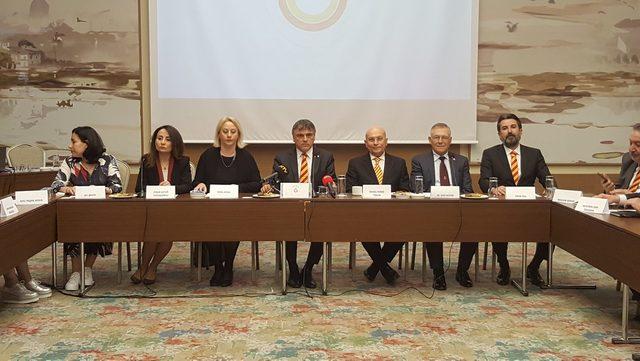 Galatasaraylı kadınlar Ali Fatinoğlu ile elele vererek yönetime talip oldular