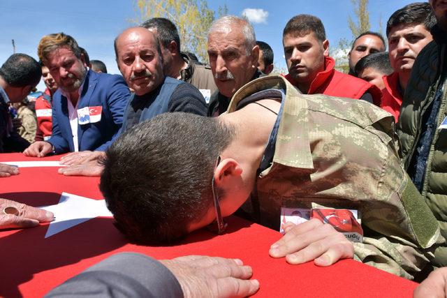 Şehit Uzman Çavuş'u, Erciş'te 2 bin kişi uğurlandı