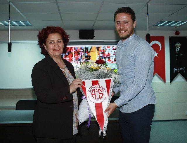 Antalyasporlu Musa Nizam, öğrencilerin konuğu oldu