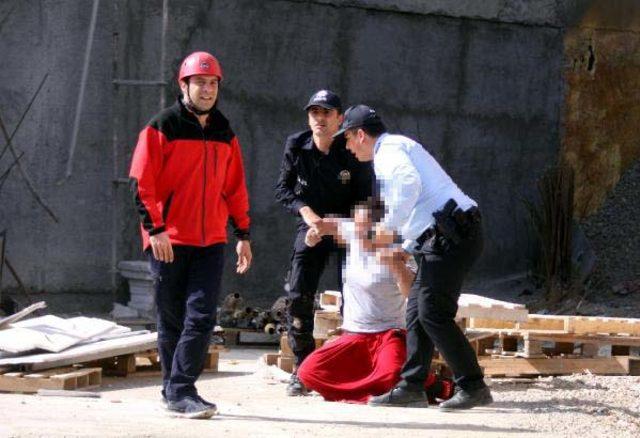 Üst geçitten atlayan kadın, TIR'ın üzerine düştü