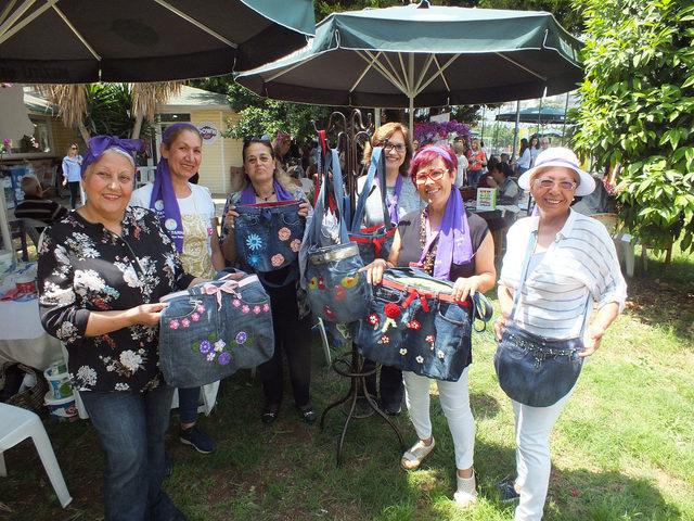 Gönüllü kadınlar, mantı satarak kız çocuklarını okutuyor
