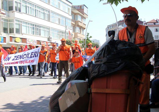 İşçi ölümlerine tepki için yere yattılar