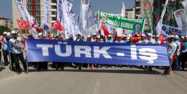 Türk-İş, 1 Mayıs'ı Hatay'da kutladı