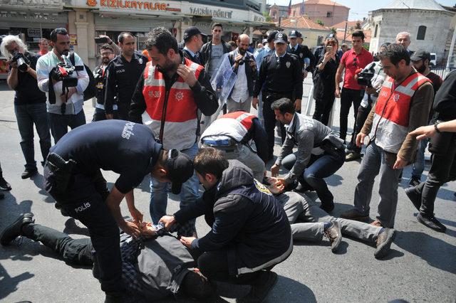 Taksim Meydanı'na girmeye çalışan 3 kişi gözaltına alındı
