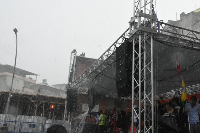 Malatya'da şiddetli dolu yağışı hayatı olumsuz etkiledi