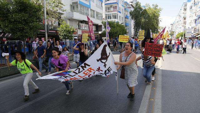 Antalya'da şölen havasında 1 Mayıs kutlaması