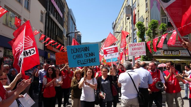 Karabük'te CHP'liler 1 Mayıs'ı kutladı