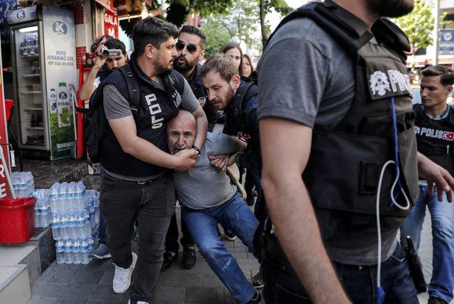 Taksim'e çıkmak isteyen 2 kişi daha gözaltına alındı