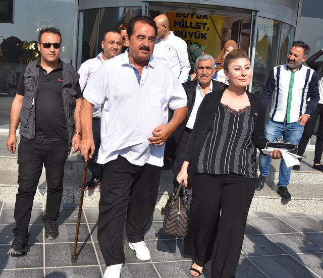 İbrahim Tatlıses'ten vekil adaylığı için başvuru yaptığı AK Parti'ye ziyaret (2)