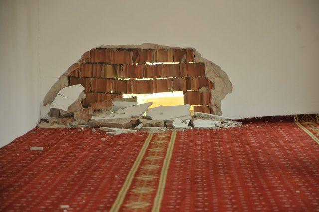 Namaza 7 dakika kala camiye yıldırım düştü