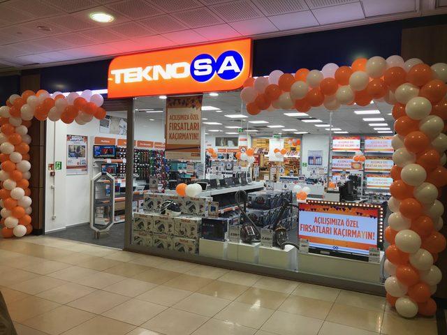 Teknosa'dan Ege'de 1 günde 2 mağaza