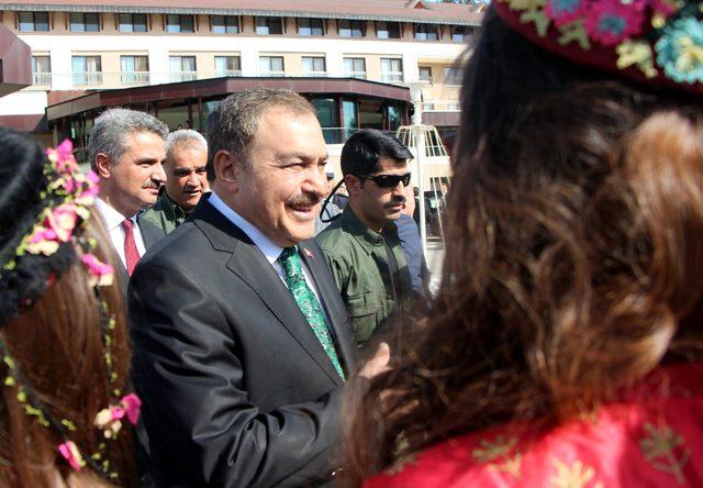 Bakan Eroğlu: Kurdukları ittifak çökecektir