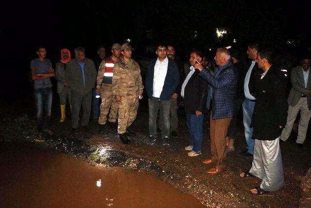 Harran'da yarım saatlik yağmur sele neden oldu