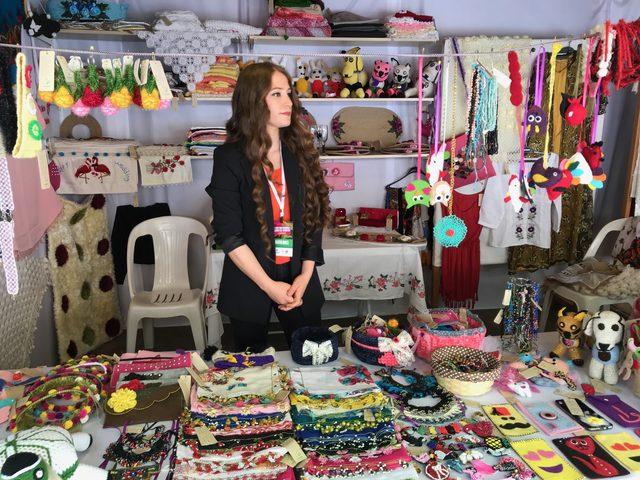12. Doğu'dan İstanbul'a kadın ele sergisi açıldı