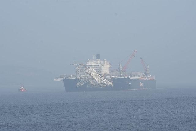 Dünyanın en büyük gemisi, Çanakkale Boğazı'ndan geçti